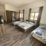 Földszintes teraszos négyágyas szoba