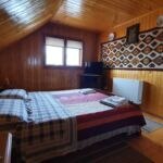 Camera dubla la mansarda cu balcon (se poate solicita pat suplimentar)