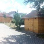 Közös fürdőszobás légkondicionált 4 fős faház (pótágyazható)