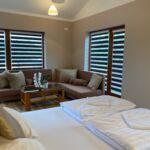 Erdőre néző emeleti franciaágyas szoba (pótágyazható)