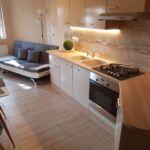 Apartament 4-osobowy na parterze z tarasem z 2 pomieszczeniami sypialnianymi
