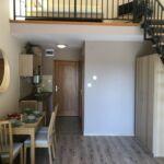 Apartament 4-osobowy z antresolą z widokiem na jezioro z 2 pomieszczeniami sypialnianymi