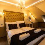 Tetőtéri Deluxe franciaágyas szoba (pótágyazható)