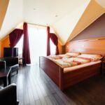 Apartament la etaj cu panorama cu 1 camera pentru 2 pers. (se poate solicita pat suplimentar)