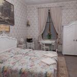 Camera tripla romantica cu bucatarie comuna