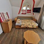 Apartament la etaj cu vedere spre lac cu 2 camere pentru 4 pers.