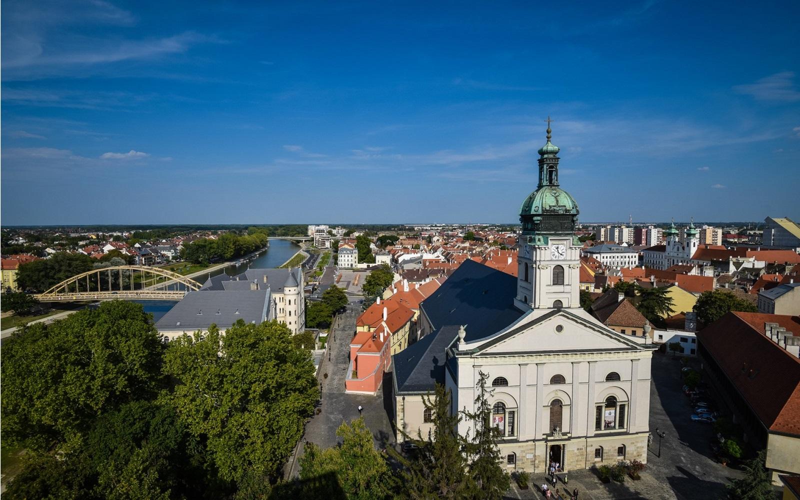 Poznejte maďarské město řek